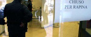 NAPOLI : RAPINA BANCA UNICREDIT AL CORSO ARNALDO LUCCI